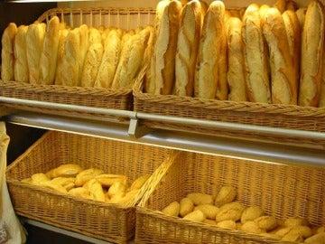 Barras del pan en una panadería
