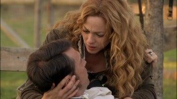 Fernando desvela su secreto a Sara antes de morir