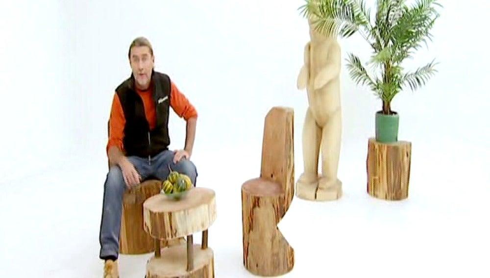 Una silla rústica de ciprés