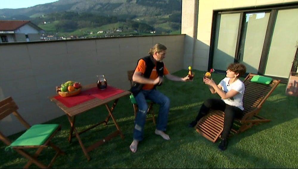 ¡Transforma tu terraza con césped artificial!