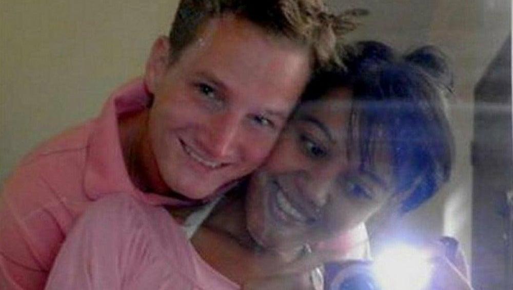 Mathew Taylor y su novia Anda