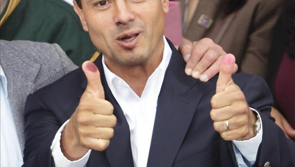Peña Nieto vota en Atlacomulco