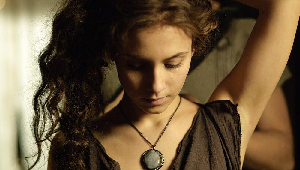 Aura Garrido interpreta a Cora