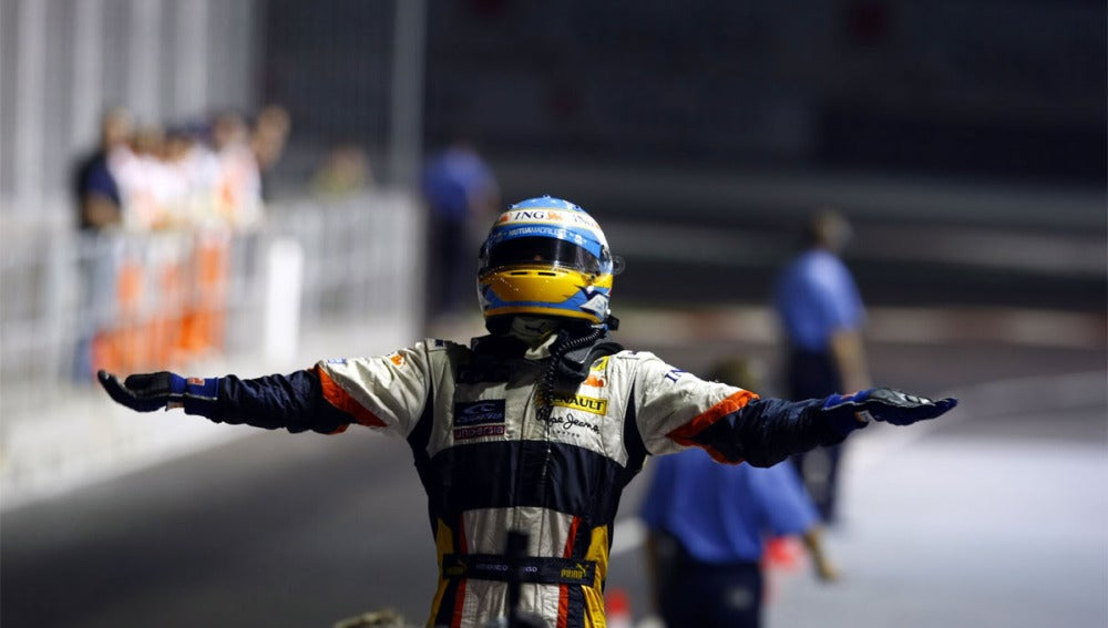 Alonso ganó en Singapur con Renault en 2008