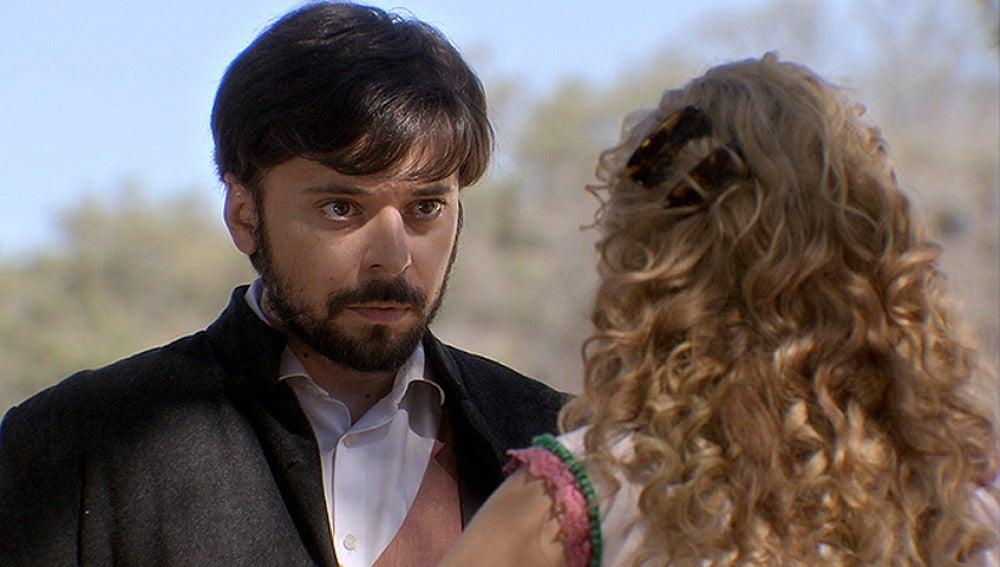 Luis insiste a Clara