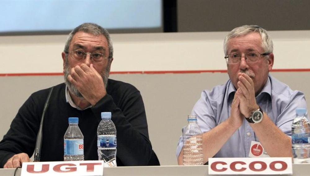 El secretario general de UGT, Cándido Méndez, y el de CC.OO, Ignacio Fernández Toxo.