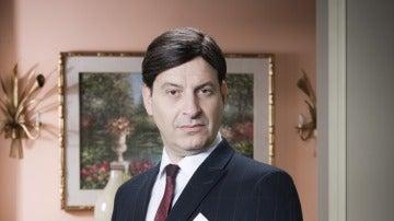 Josep Julien es Vicente Lujan