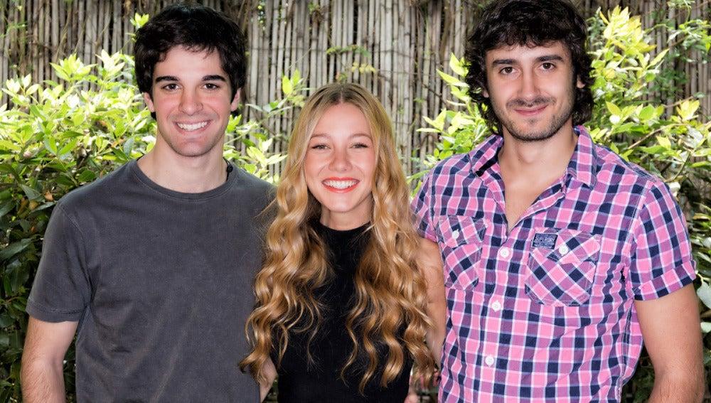 Javier Abad, Charlotte Vega y Jorge Pobes