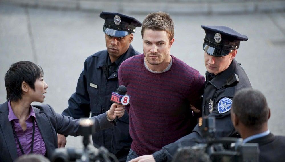 Oliver Queen detenido