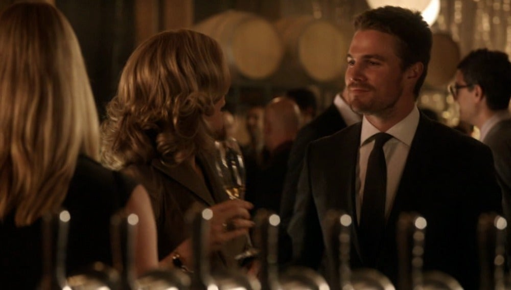 Moira culpa a Oliver