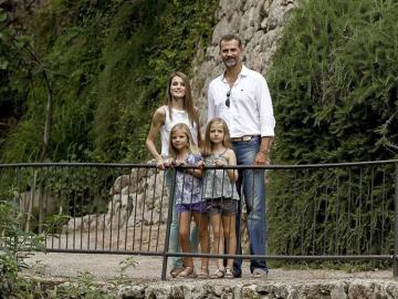 Los Príncipes en Mallorca con sus hijas