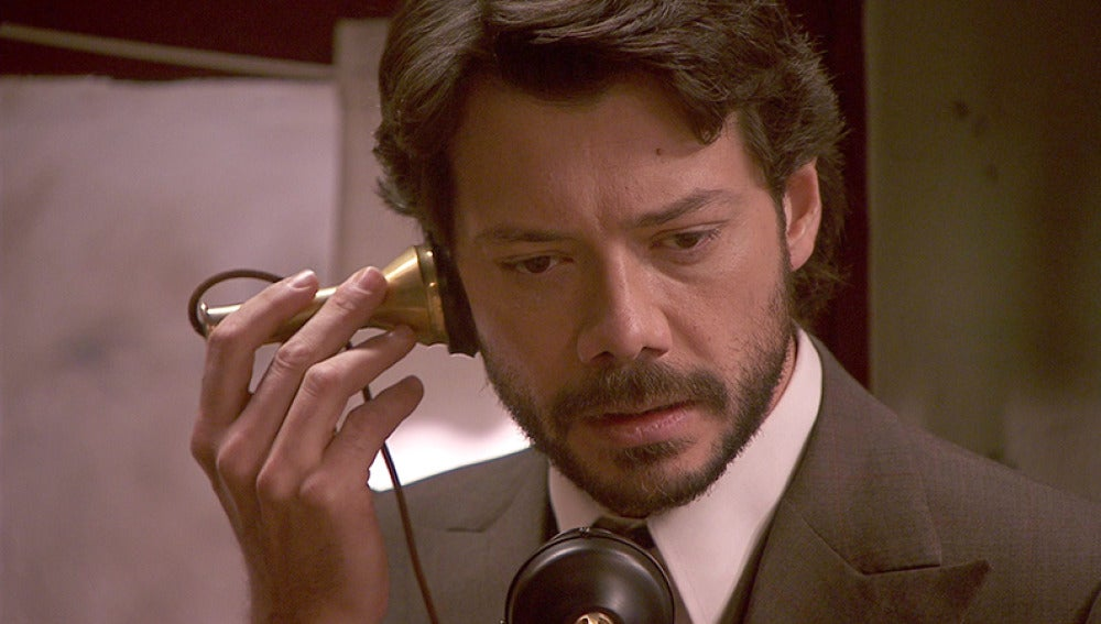 Lucas recibe una misteriosa llamada del Hospital de La Puebla