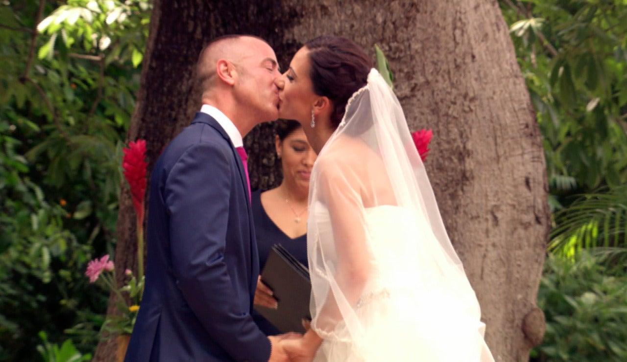 Jonathan y Sabrina se dan convencidos el 'Sí, quiero'