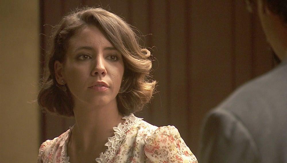 César le propone a Emilia que se vaya con él a Málaga