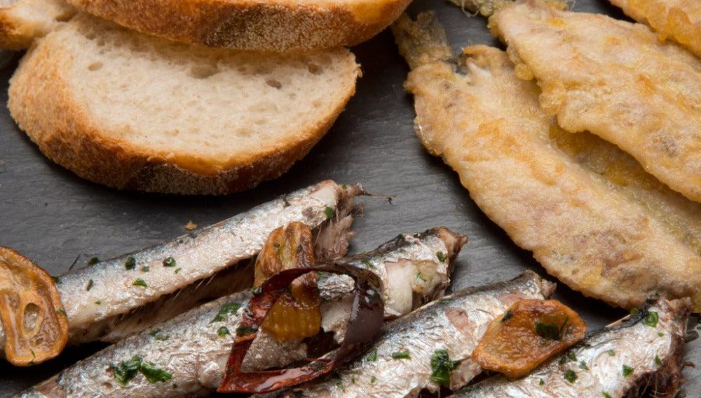 Anchoas al ajillo y anchoas rebozadas