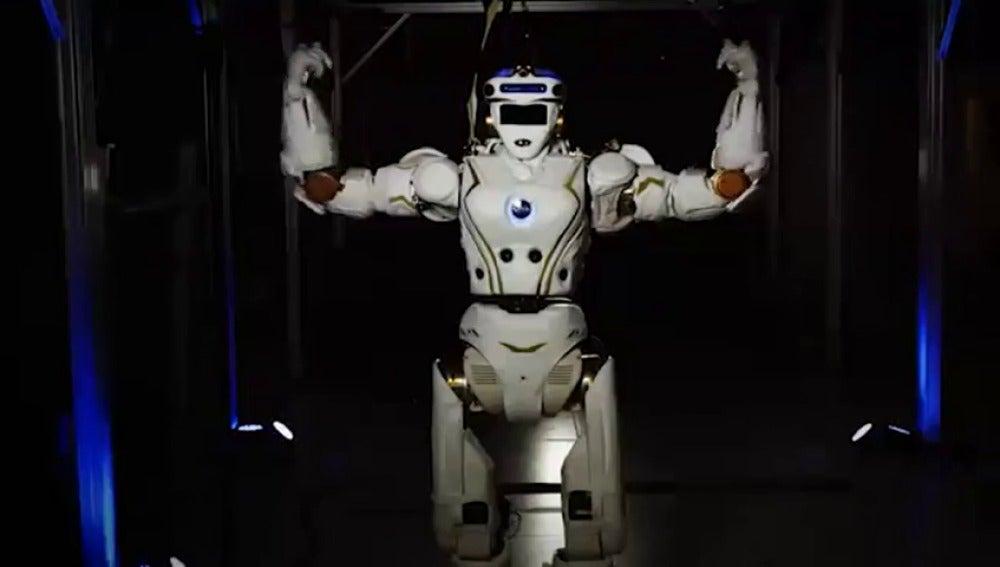 Frame 16.961936 de: La NASA entrena a robots humanoides para mandarlos a Marte.