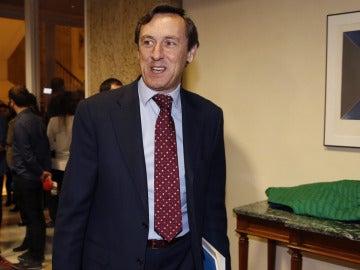 """Rafael Hernando recuerda el pasado socialista del juez que ha sancionado al PP: """"Eso le ha nublado el juicio"""""""