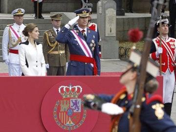 Los Reyes en el desfile de las Fuerzas Armadas