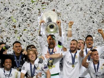 Sergio Ramos levanta al cielo de Milán la Undécima del Real Madrid
