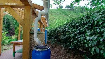 'Bricomanía' crea un canalón para aprovechamiento de  pluviales