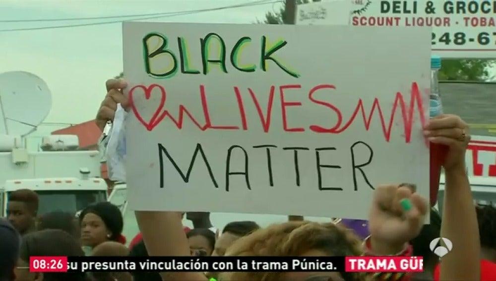 Frame 6.917044 de: manifestaciones