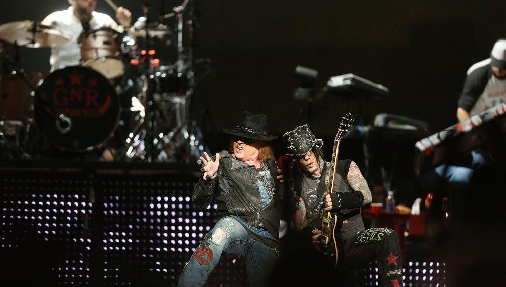 Guns N'Roses, retenidos en la frontera de Canadá p...