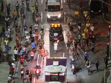 Un hombre intenta robar la antorcha olímpica en Sao Paulo