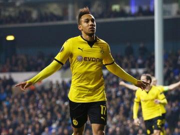 Aubameyang celebra un gol con el Borussia Dortmund
