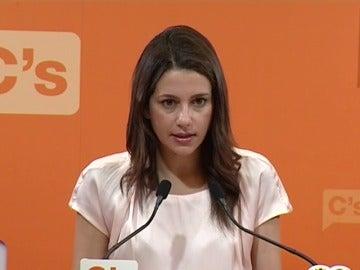 """Inés Arrimadas: """"Necesitamos que el Partido Socialista se abstenga"""""""