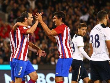 Godín celebra su gol ante el Tottenham