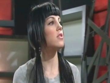 Paula canta 'Solo un cuento'