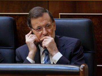 Mariano Rajoy al teléfono