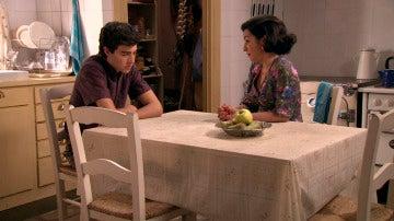 Maruxa pide a Quico que no deje sola a Benigna