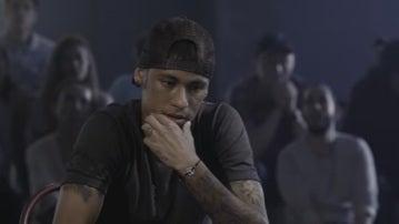 Neymar se divierte jugando al poker
