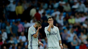 Benzema y Cristiano Ronaldo en el partido contra el Villarreal
