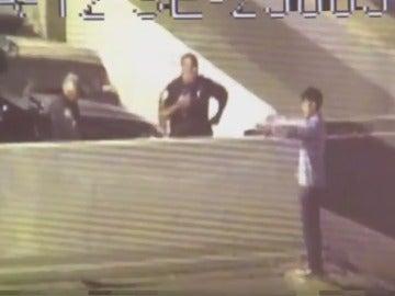 Policías evitan el suicidio de un hombre
