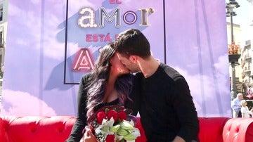 Ni la distancia ni el tiempo acabarán con esta pareja de enamorados