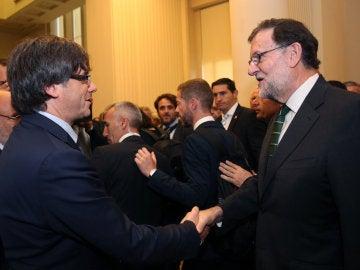 """Rajoy, delante de Puigdemont: """"La disgregación sólo conduce a la irrelevancia y la impotencia"""""""