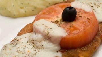 Milanesa con puré de patatas