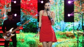 Melissa Jiménez muestra su faceta musical con una brillante actuación como Nelly Furtado