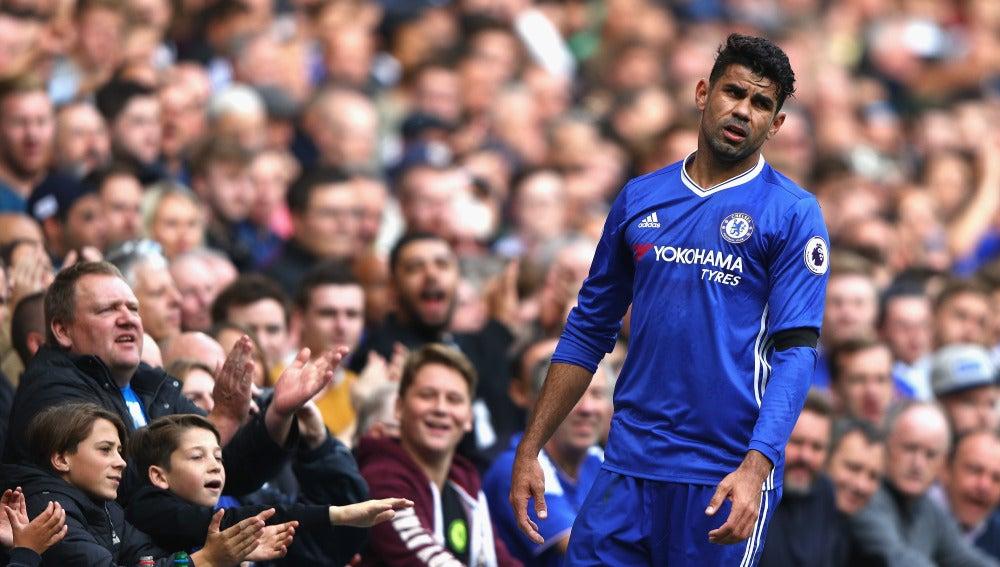 Diego Costa se enfada por una acción en el partido del Chelsea