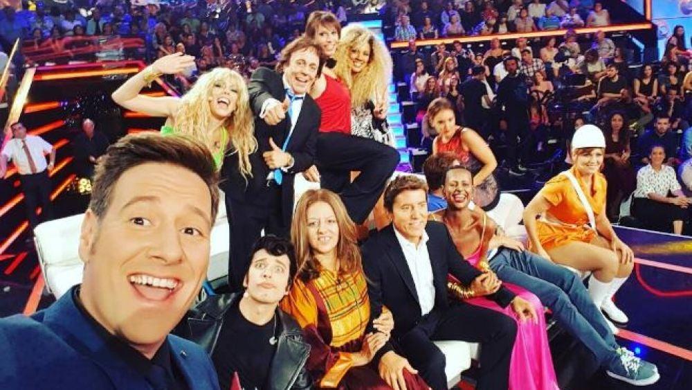 Selfie del elenco de 'Tu cara me suena' en la segunda gala