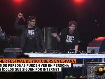 Más de 10.000 jóvenes conocen a sus ídolos en el primer festival de 'youtubers' en España