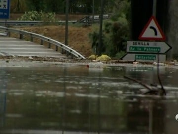 Caos en Sevilla por las inundaciones, con 90 litros de agua por metro cuadrado