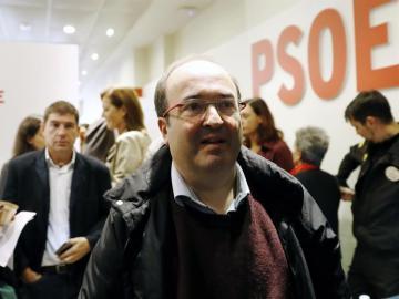 El PSC se reunirá el martes para decidir si acata la abstención fijada por el PSOE