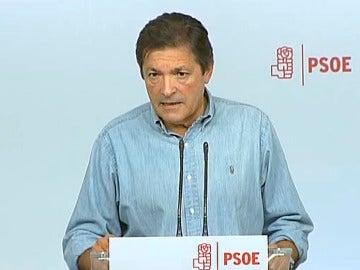 """Javier Fernández: """"Los diputados del PSOE deberán abstenerse porque hay un mandato imperativo del Comité Federal"""""""