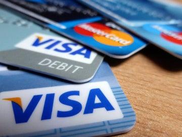 ¿Cómo evitar que mi hijo use la tarjeta de crédito para comprar videojuegos?