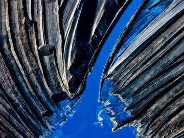 Un fotógrafo convierte en arte las consecuencias de grandes desastres naturales