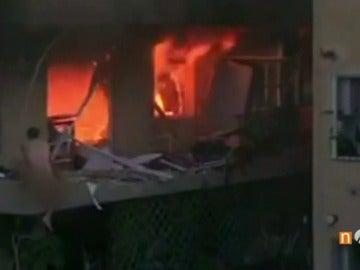 Sospechan que el hombre que intentó escapar desnudo tras la explosión de Premiá de Mar fue quien provocó el incendio para matar su mujer