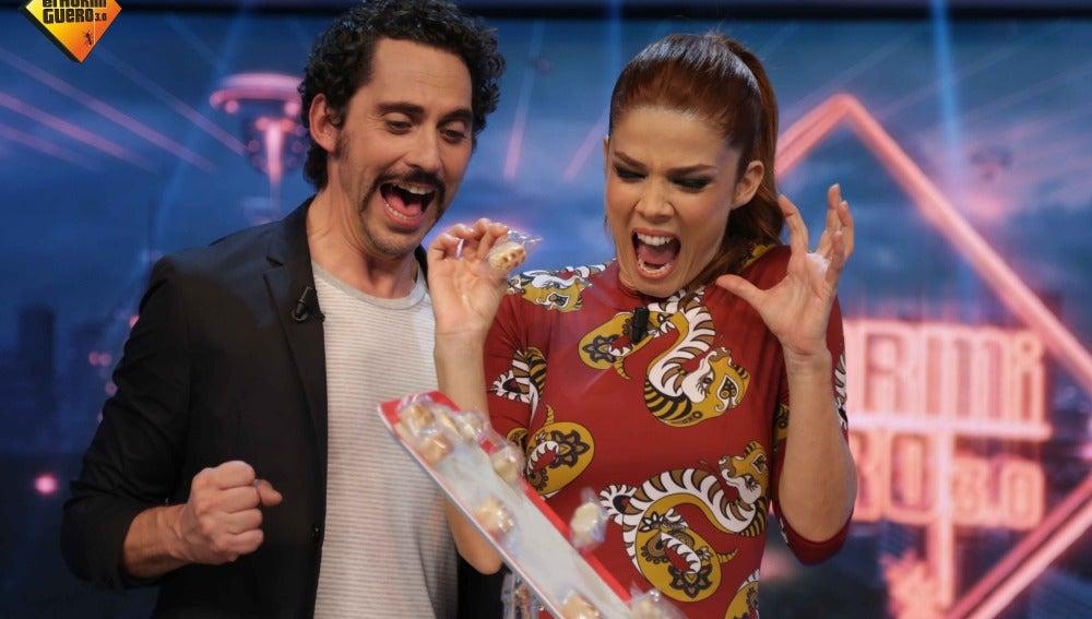Paco León y Jauna Acosta se baten a un duelo de mazapanes
